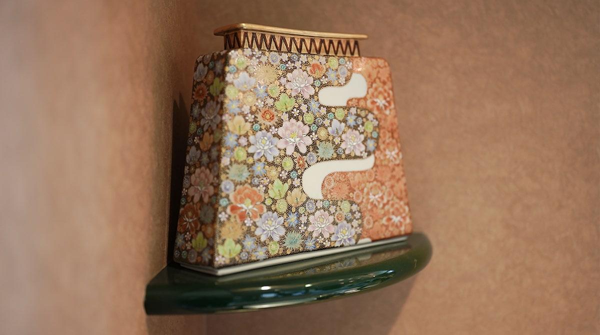 高さんが絵付けした花詰の作品。